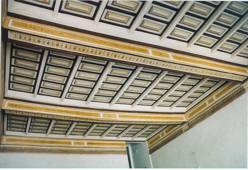 trompe-l'oeil di soffitto a cassettoni con motivi Pompeiani